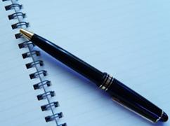 (イメージ)ノートとペン