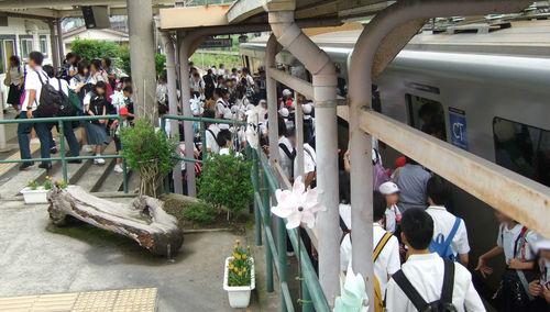 上伊集院駅の混雑(2014年6月6日)