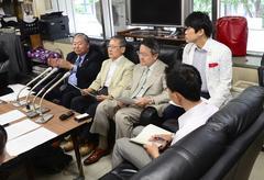 北海道政記者クラブで開かれた記者会見.jpg
